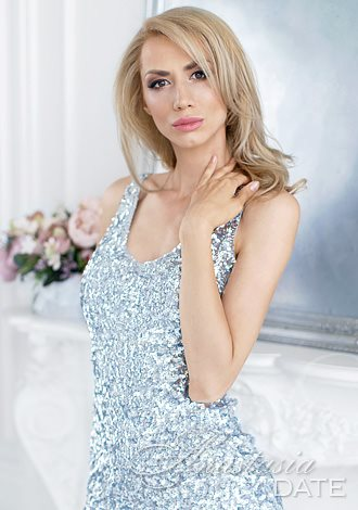 Gorgeous women pictures: young Ukraine girl Tatyana from Kiev